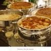 Ilha de massas - uma linda mesa com variadas massas e molhos, organizadas em rechaud de prata, conforme a solicitação do cliente para casamentos